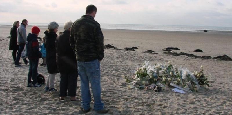 le corps d 39 un jeune enfant retrouv sur la plage de berck dans le pas de calais page 2. Black Bedroom Furniture Sets. Home Design Ideas