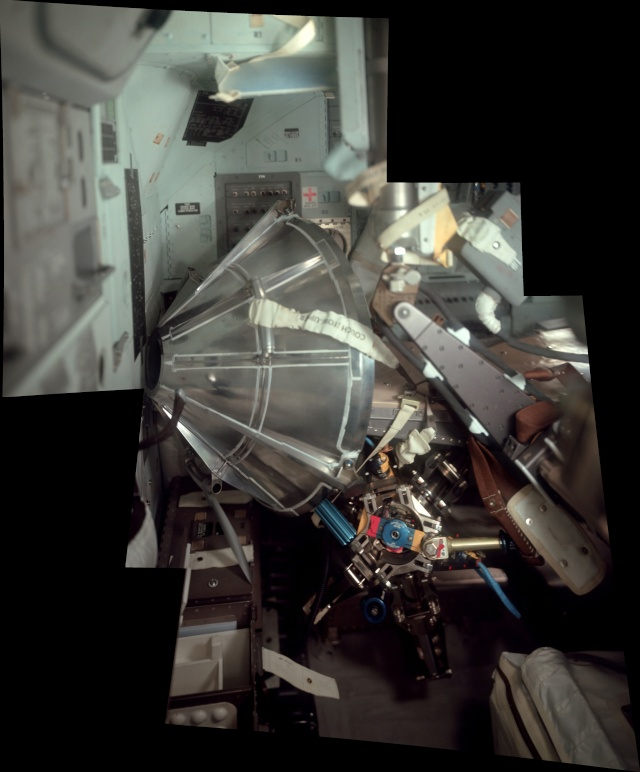 Photo de l int rieur du lm aigle d apollo 11 for Interieur gov