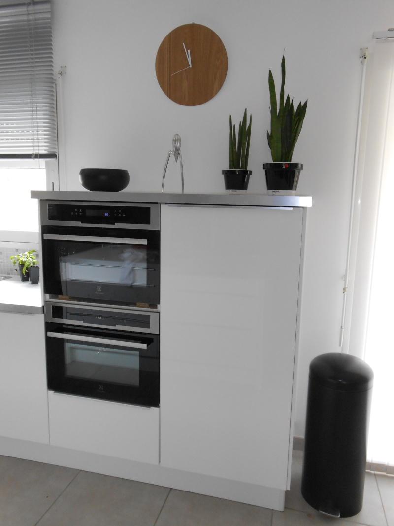 jodis31 quoi mettre au dessus du meuble sam page 4. Black Bedroom Furniture Sets. Home Design Ideas