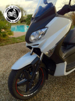 xmax xtrem 2010 ABS