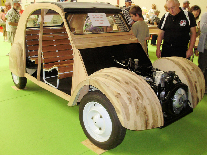 une 2cv en bois. Black Bedroom Furniture Sets. Home Design Ideas