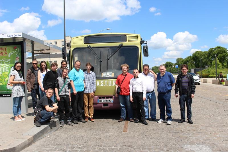 Le groupe pose pour la première du 731.
