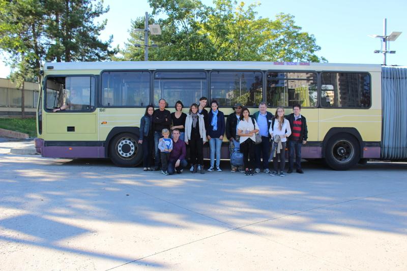Le groupe de la sortie, pose devant le 731.