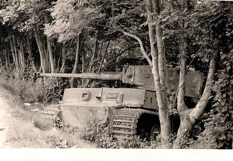 L avenir du char tigre de vimoutiers interpelle jusqu en for L interieur du char de vimoutier