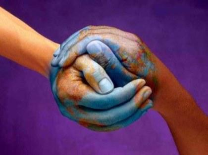 La terre est bleue - Paul Eluard