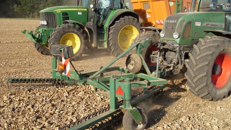 Machine pour ramasser des cailloux - Machine pour ramasser les pommes ...