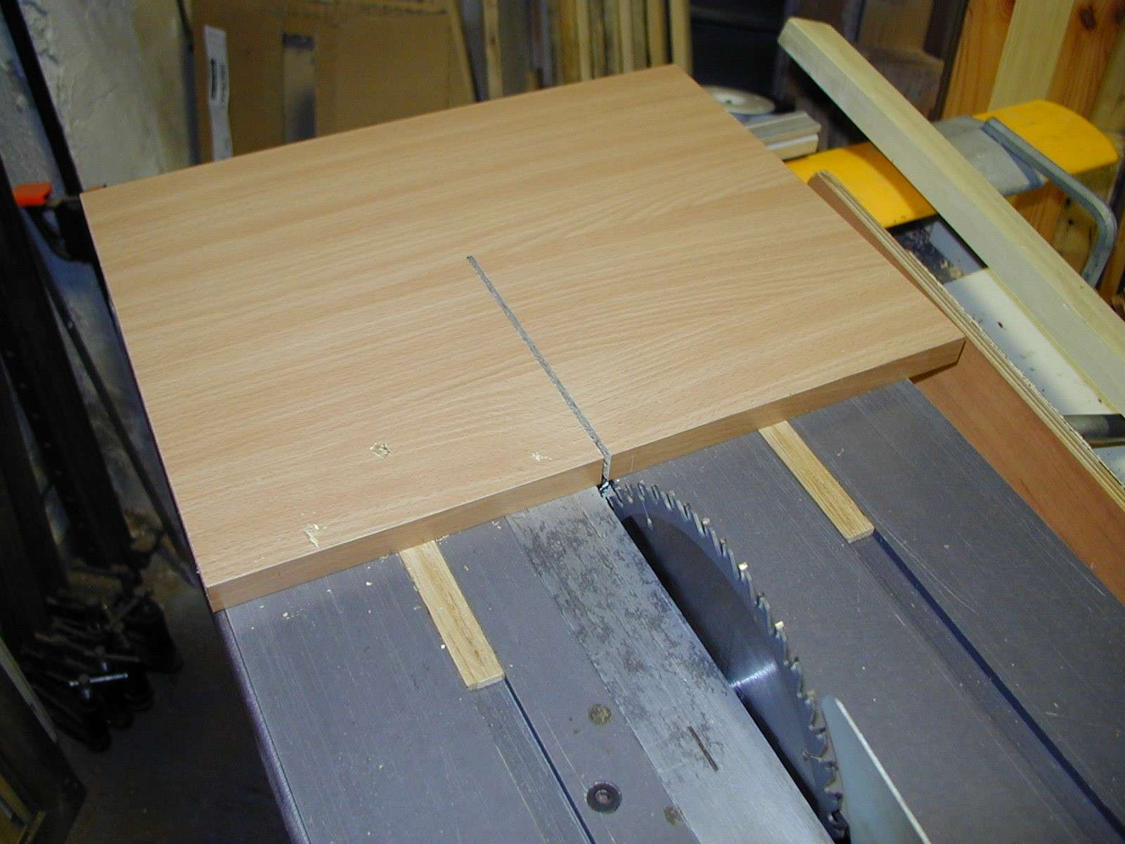 Un traineau de scie table saw sled for Laquer un meuble en mdf