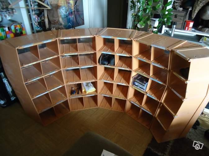 peindre rendu m tal sur des casiers en plastique. Black Bedroom Furniture Sets. Home Design Ideas