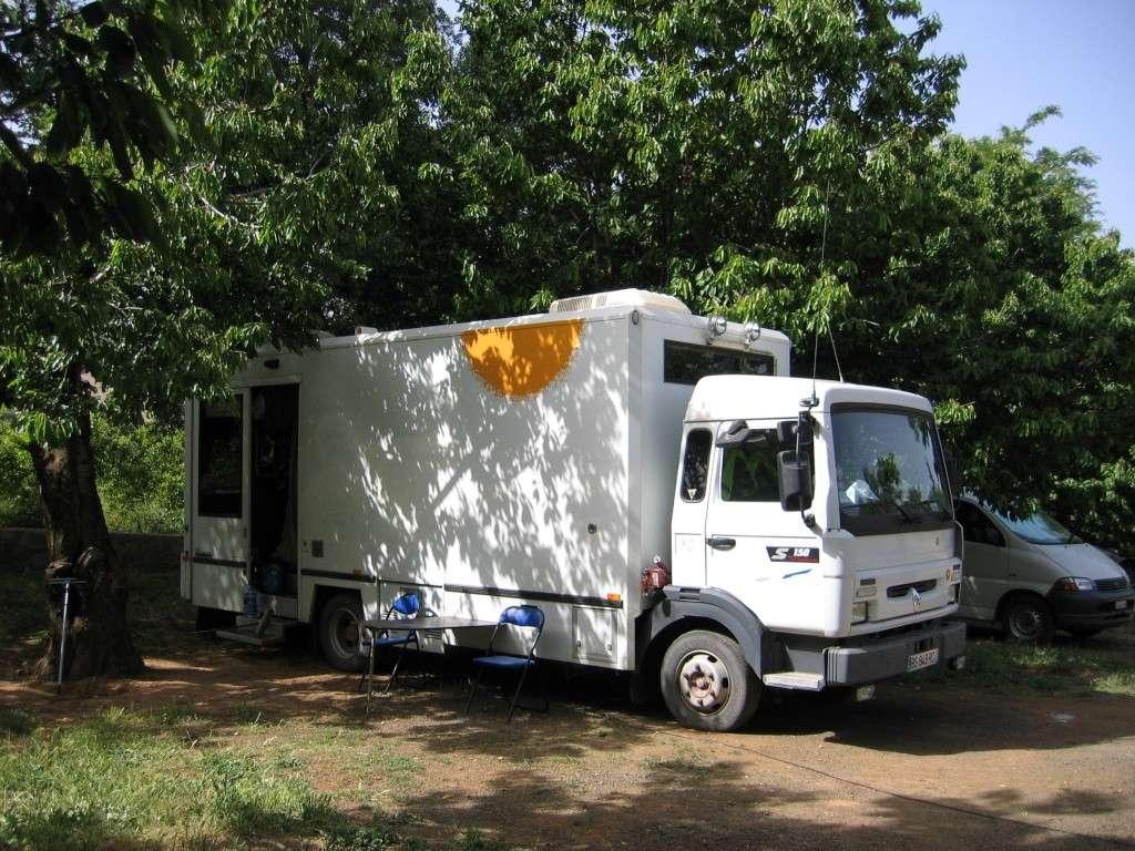 http://i58.servimg.com/u/f58/17/27/77/35/camion11.jpg