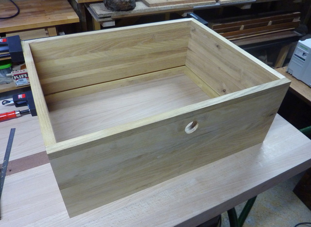 chaise porte serviette tiroir page 3. Black Bedroom Furniture Sets. Home Design Ideas