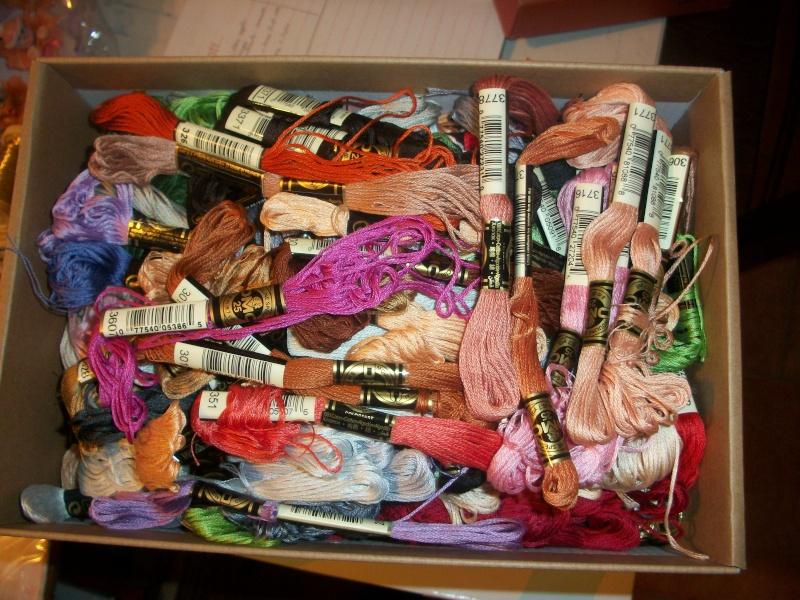 vendo materiali vari hobby: perline, fimo, filati dmc ed anchor