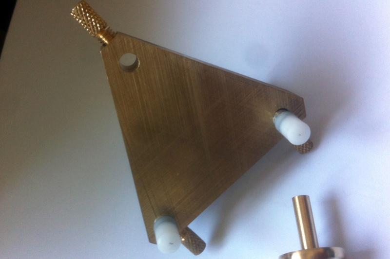 Fabrication d 39 un tripod poli bloqu miroir noir d 39 un for Miroir tripod