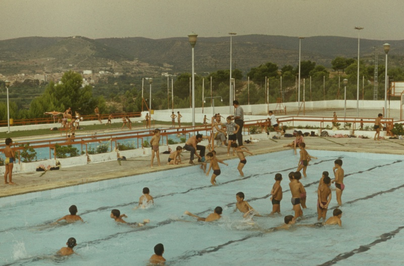 En el rio palancia y en la piscina de segorbe agosto 1973 for Piscina segorbe
