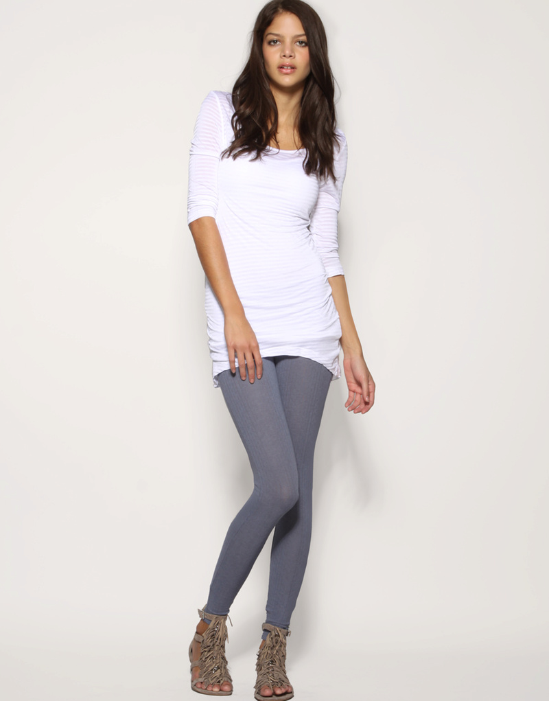 How To Look Good In Leggings Like Nell Robinson  Mail -7375
