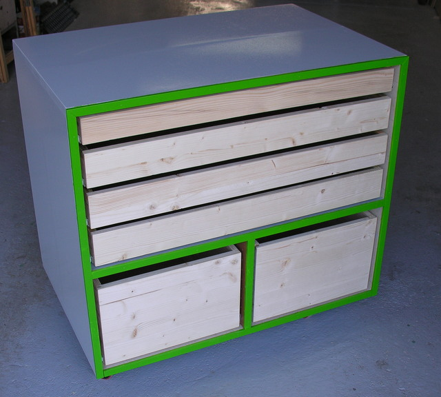 Utiliser des chutes pour r aliser un meuble tiroir pour for Meuble a tiroir pour atelier