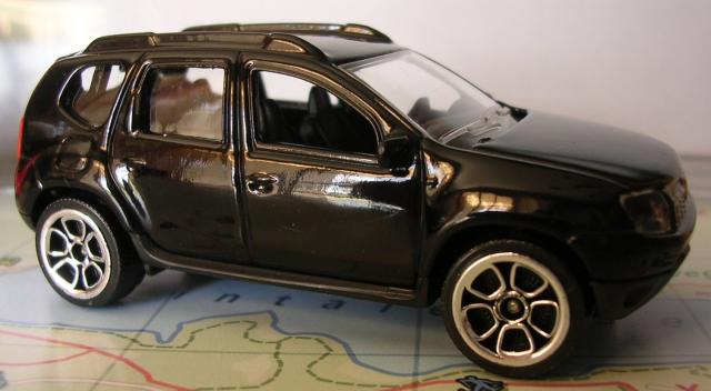 recherche miniatures majorette dacia duster noir. Black Bedroom Furniture Sets. Home Design Ideas