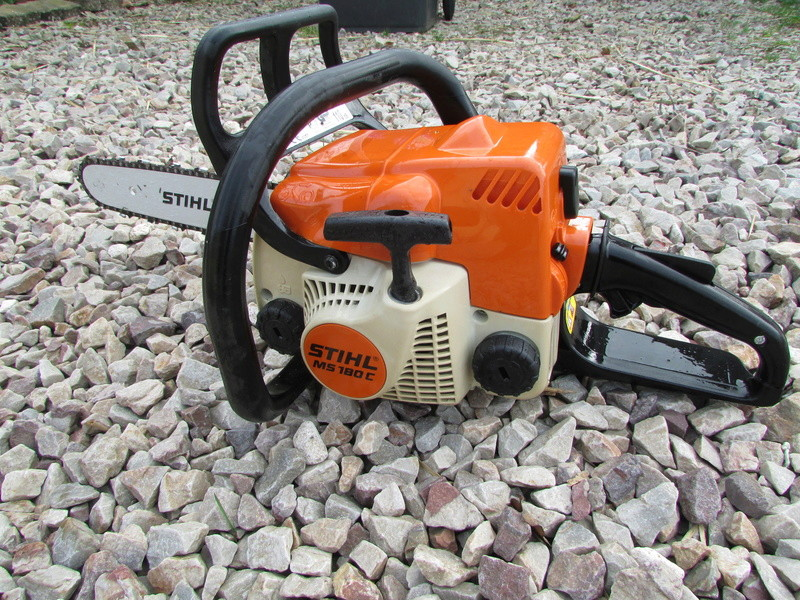 vends tronconneuse stihl ms180 et taille haies stihl hs75. Black Bedroom Furniture Sets. Home Design Ideas