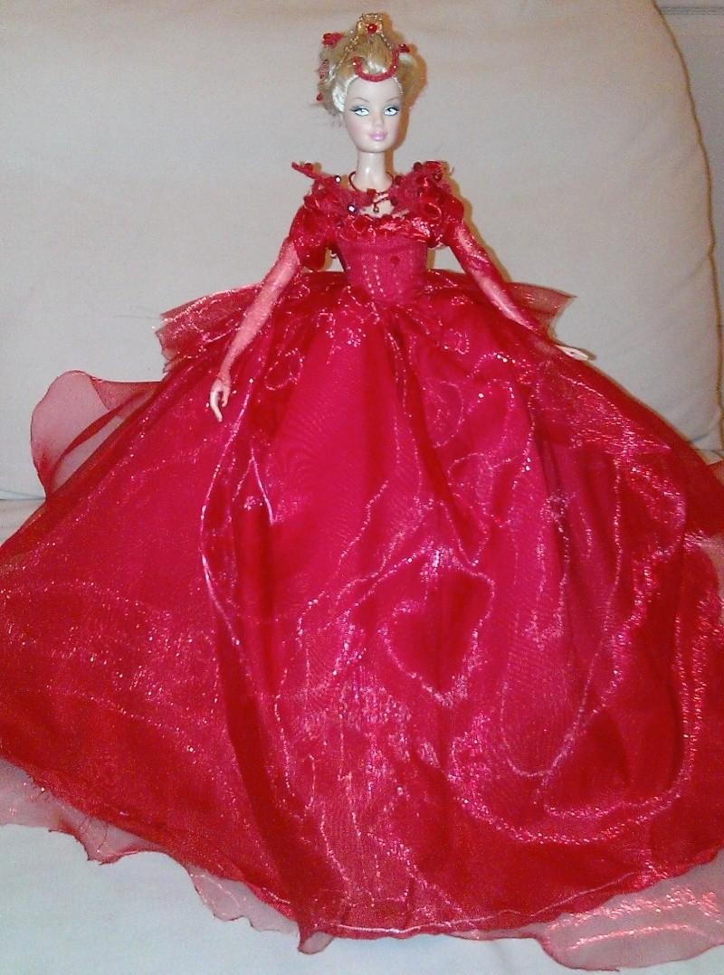 la belle et la bete 2014 robe rouge. Black Bedroom Furniture Sets. Home Design Ideas