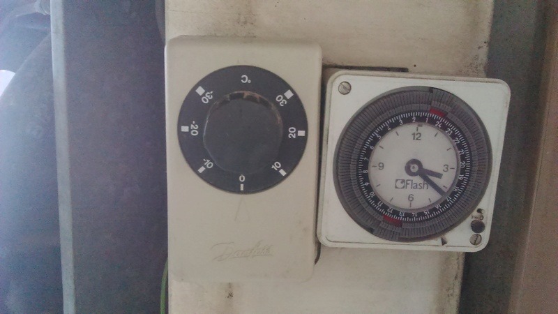 Chambre froide refroidi pas for Thermostat chambre froide