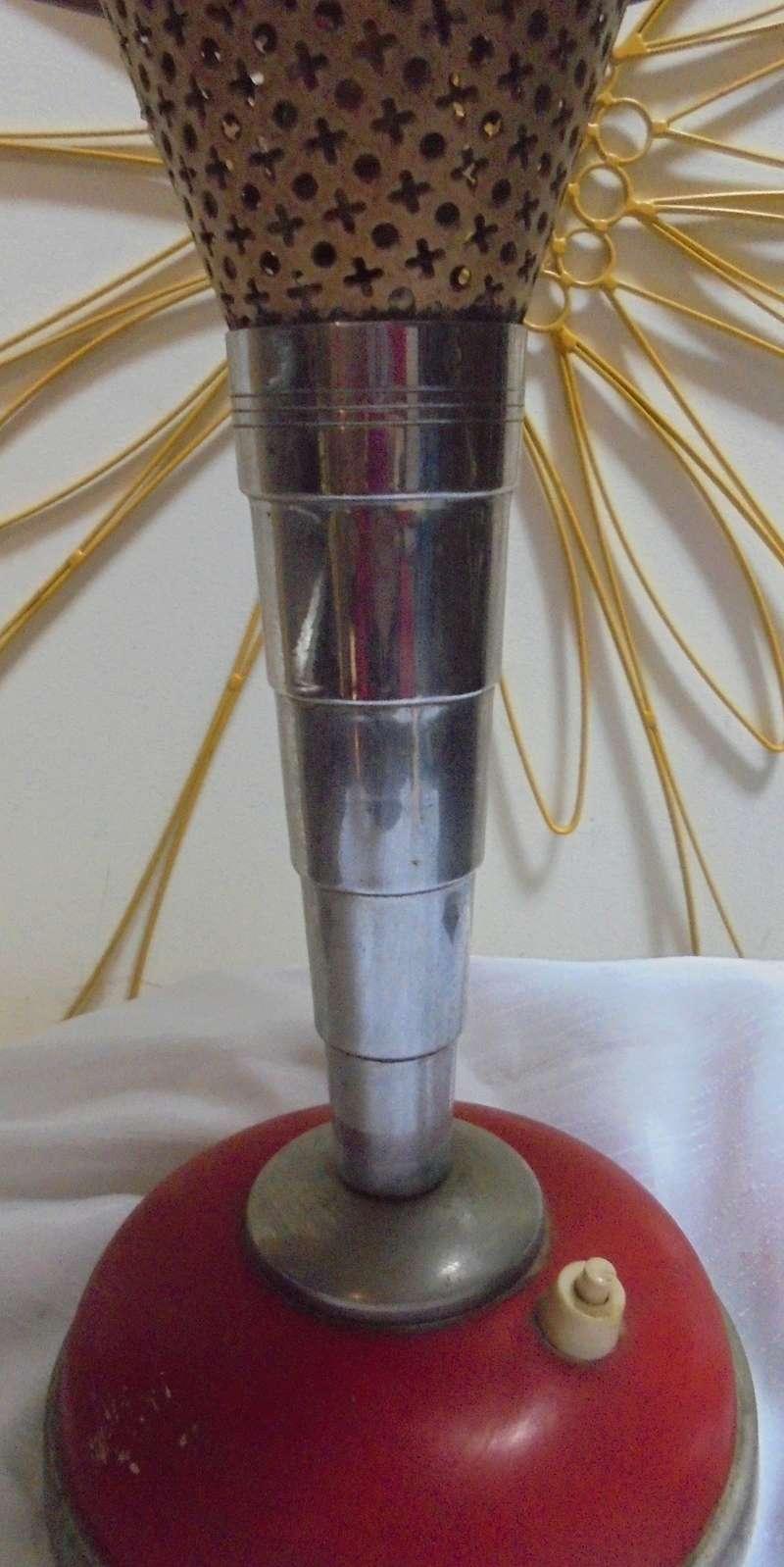 Lampe de table des ann es 40 50 une petite idee - Lampe au dessus d une table ...